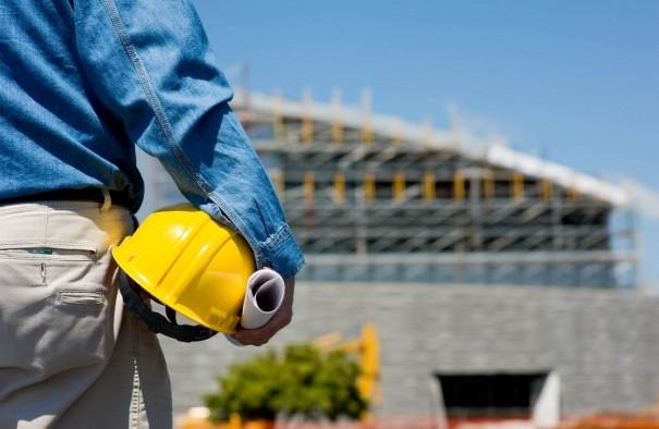 Brasil tem 2.796 obras paradas e o setor de infraestrutura é o mais afetado
