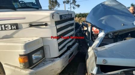 Dois homens morrem em acidente na Rodovia Comandante João Ribeiro de Barros