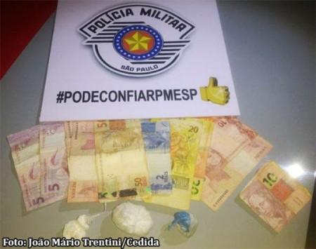 Dupla é presa acusada de promover o tráfico de drogas em Parapuã
