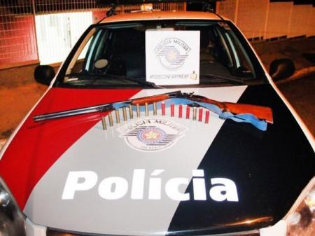 Após denúncia, Polícia Militar apreende arma de fogo em Mariápolis