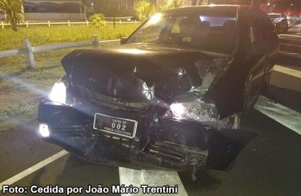 Acidentes em sequência na SP-294 envolve veículo da prefeitura de Iacri que transportava paciente