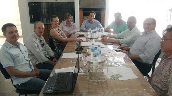 Nova diretoria da Amnap se reúne em Adamantina