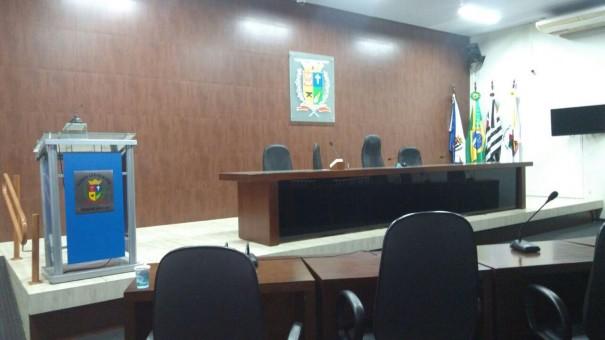 Câmara de OC aprecia volta da Área Azul, chácaras de lazer e Lei de Diretrizes Orçamentárias
