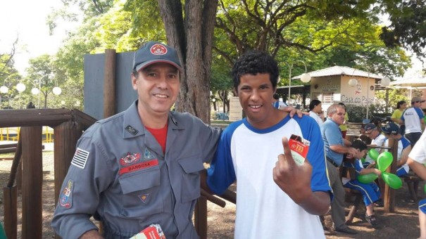 Sargento Barbosa é escolhido o Bombeiros Destaque do Mês de Dezembro na região
