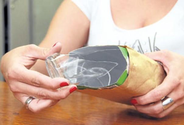 Secretaria de Meio Ambiente de Osvaldo Cruz pede cuidado ao descartar cacos de vidro no lixo