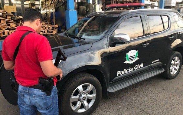 Polícia Civil incinera meia tonelada de cocaína apreendida após perseguição entre Bastos e Rinópolis
