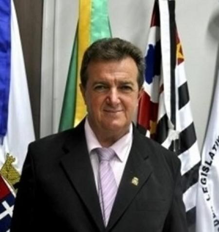 Vereador Roberto Amor questiona ações do Demutran de Osvaldo Cruz