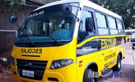 Prefeito de Salmourão assina convênio que garante mais um ônibus escolar