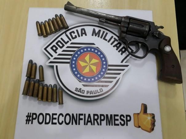 Polícia Militar de Adamantina detém tio e sobrinho por posse ilegal de arma de fogo