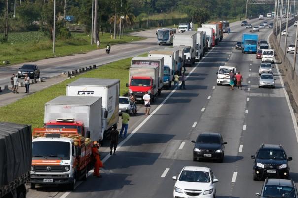 Greve dos caminhoneiros custará R$ 15 bilhões para a economia