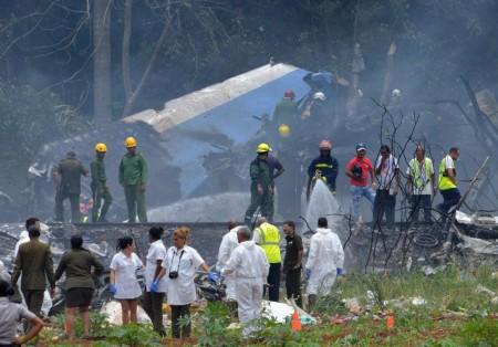 Boeing 737 cai logo após decolar de Havana; presidente cubano cita 'grande número de vítimas'