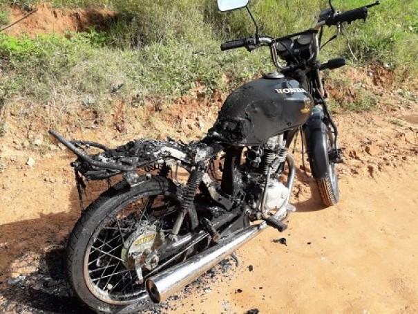 Pintor de 34 anos é encontrado morto com sinais de facadas em estrada rural em Presidente Prudente