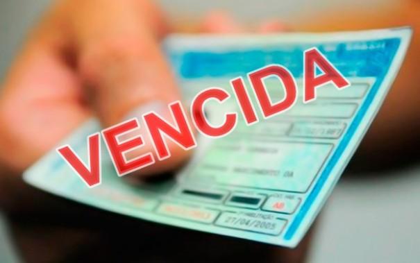Motorista foi flagrado com CNH vencida na Vila Esperança