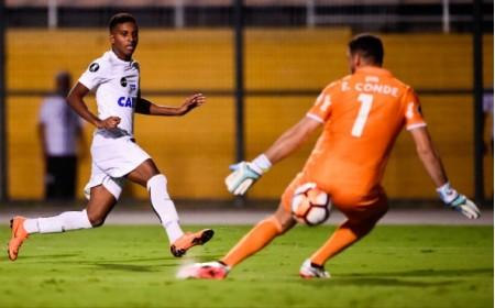 Santos supera expulsão de Gabigol e vence Nacional com golaço de Rodrygo