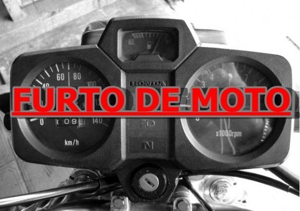Pintor de autos teve a moto furtada no centro de Osvaldo Cruz