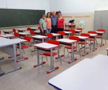 EMEFI de Salmourão recebe novo mobiliário