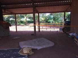 Trabalhador rural mata amigo de infância a facadas e ainda bebe sangue da vítima misturado a cachaça