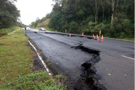 Polícia Militar Rodoviária emite nota sobre rodovias interditadas por conta das chuvas
