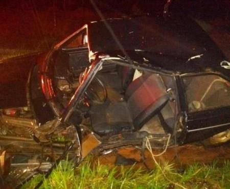 Dois homens ficam feridos em acidente na SP-501