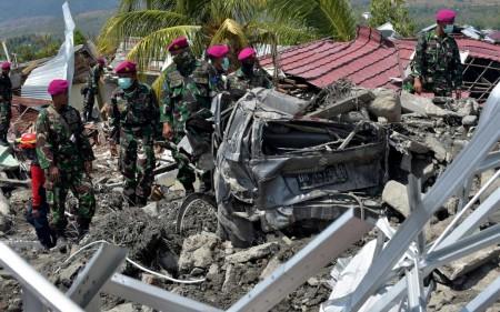 Passa de 1.200 o número de mortos na Indonésia após terremoto e tsunami devastadores