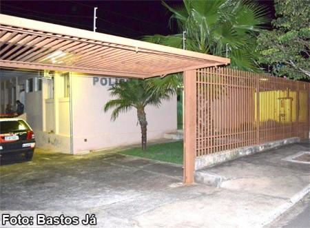 Polícia Civil prende mulher por tráfico e jovem por estupro de vulnerável em Quintana