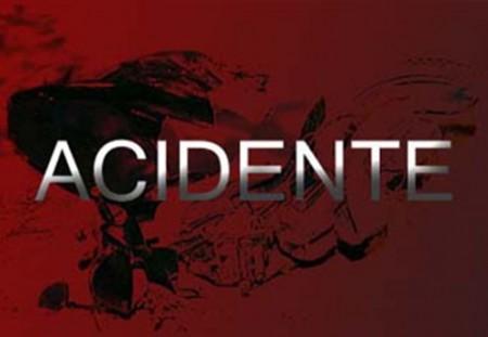 Acidente entre ambulância e caminhão deixa 3 feridos