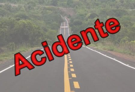 Acidente no trevo principal de entrada de Osvaldo Cruz deixa duas pessoas feridas