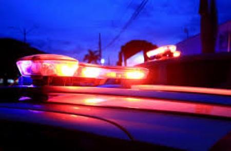 Motorista perde o controle da direção e caminhão tomba em alça de acesso entre as rodovias SP-501 e SP-425