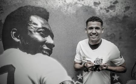 Osvaldo Cruz segue com 40% dos direitos de Felippe Cardoso, aposta em valorização futura e tem Luiz Araújo como exemplo