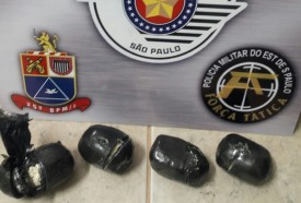 Mulher esconde cocaína em caixas de sabão em pó e é detida pela polícia em Pacaembu