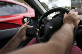 Multas por uso de celular ao volante crescem 33% em 2018