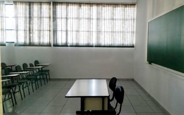 Mais da metade dos brasileiros não tem diploma do ensino médio, aponta OCDE