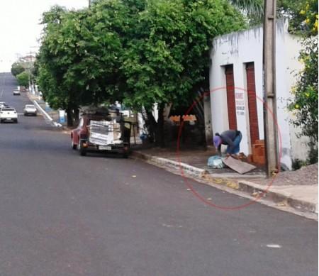 Através de denúncia, a Polícia Militar flagrou furto de recicláveis da Cooperativa de Catadores de Osvaldo Cruz