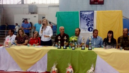 Foi uma grande festa a abertura do JEM, Jogos Escolares Municipais de Osvaldo Cruz