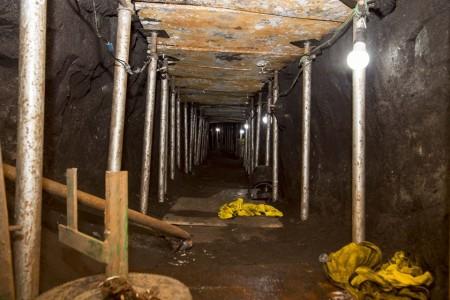Ladrões são pegos abrindo túnel para roubar R$1 bi do Banco do Brasil