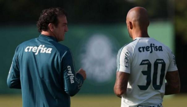 Cuca cogitou deixar Palmeiras após caso Felipe Melo e queda