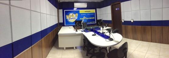 Sobre a Rádio Metrópole FM